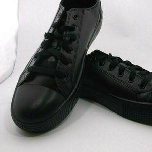 TREDSAFE Women BLACK KITCH SHOES